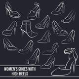 Insieme delle scarpe delle donne con i tacchi alti, dipinto Fotografia Stock Libera da Diritti