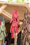 Insieme delle scarpe di cuoio fatte a mano tradizionali in bazar Fotografia Stock Libera da Diritti