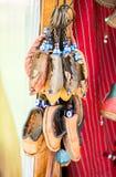 Insieme delle scarpe fatte a mano tradizionali fotografia stock libera da diritti