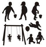 Insieme delle siluette dei bambini. Fotografia Stock