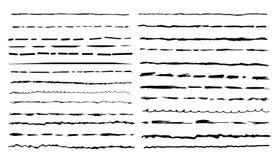 Insieme delle spazzole artistiche nere della penna Illustrazione di disegno a mano libera Colpi disegnati a mano di lerciume Illu Fotografie Stock Libere da Diritti