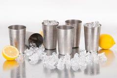 Insieme delle tazze dell'acciaio inossidabile Fotografia Stock Libera da Diritti