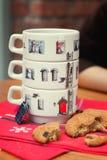Insieme delle tazze di pittura fatte a mano Fotografie Stock Libere da Diritti