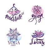 Insieme dello studio di yoga e logo della classe di meditazione, icone ed elementi di progettazione Elementi di progettazione di  Fotografie Stock Libere da Diritti