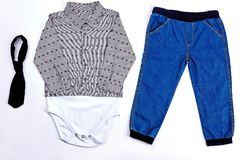 Insieme di abito moderno per il neonato Fotografia Stock