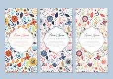 Insieme di carte floreale di scarabocchio d'annata sveglio illustrazione di stock