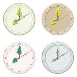 Insieme di estate, dell'autunno, dell'inverno e della primavera stagionali dell'orologio Immagine Stock