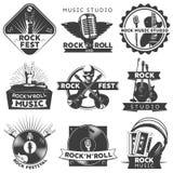Insieme di etichetta isolato il nero di musica illustrazione di stock