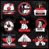Insieme di etichetta scuro di musica royalty illustrazione gratis