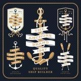 Insieme di etichette nautico d'annata del nastro e dell'ancora su fondo scuro Royalty Illustrazione gratis