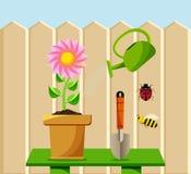 Insieme di giardinaggio del fumetto Fiorisca in vaso, l'annaffiatoio, il mestolo, l'ape, coccinella Fotografie Stock Libere da Diritti