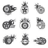 Insieme di logo della corsa di automobile Ruota con la fiamma del fuoco Fotografie Stock Libere da Diritti