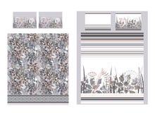 Insieme di lusso della lettiera con i fiori e le bande di scarabocchio Due piumini e un fondo di tre cuscini Illustrazione di vet Fotografia Stock Libera da Diritti