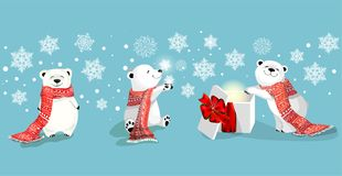 insieme di piccoli orsi polari svegli con la sciarpa ed il regalo rossi su bacjground blu con il fiocco di neve royalty illustrazione gratis