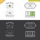 Insieme di progettazione d'annata di logo della birra con gli ornamenti della foglia Immagini Stock