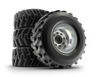 Insieme di rotelle pesante del trattore isolato su bianco Fotografia Stock Libera da Diritti