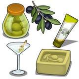 Insieme di sapone, di crema, dei cocktail e delle olive marinate Fotografie Stock Libere da Diritti