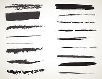Insieme di spazzole nero di arte dell'inchiostro di vettore Colpi della pittura di lerciume Fotografia Stock Libera da Diritti