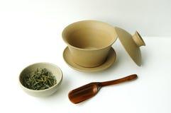 Insieme di tè e tazza di tè immagini stock