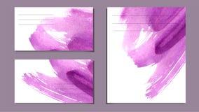 Insieme di vari biglietti da visita, spaccati - fondo porpora luminoso astratto di vettore, imitazione dell'acquerello, struttura illustrazione di stock