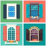 Insieme di varie finestre variopinte dettagliate con i davanzali, gli otturatori, le tende e l'illustrazione di vettore del flowe Immagine Stock Libera da Diritti