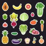 Insieme di vettore degli autoadesivi della frutta e della verdura (icone) Progettazione piana moderna illustrazione vettoriale