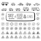 Insieme di vettore dei segnali stradali e delle automobili di scarabocchi Fotografie Stock Libere da Diritti