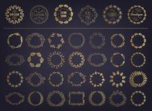 Insieme di vettore dell'alloro circolare della siluetta floreale dorata corone fogliate, del grano e della quercia che descrivono illustrazione vettoriale