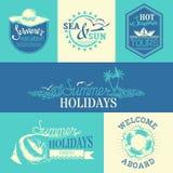 Insieme di vettore delle etichette e degli emblemi di estate Fotografia Stock
