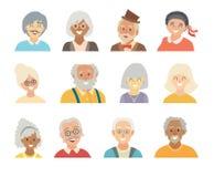 Insieme di vettore delle icone della gente anziana Fronte delle icone della gente anziana Fronte di stile del fumetto delle icone Immagini Stock