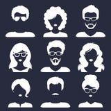 Insieme di vettore delle icone maschii e femminili differenti nello stile piano d'avanguardia La gente affronta la raccolta di im Fotografie Stock Libere da Diritti