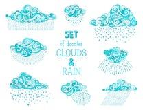 Insieme di vettore delle nuvole e delle gocce di pioggia di scarabocchi Immagini Stock