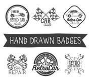 Insieme di vettore di retro etichette disegnate a mano dell'automobile nello stile d'annata Elementi, emblemi, distintivi, logo e illustrazione vettoriale