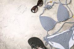 Insieme femminile del costume da bagno di estate Immagine Stock