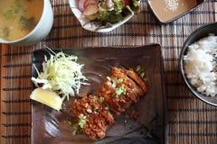 Insieme fritto di tonkatsu della carne di maiale immagine stock libera da diritti
