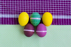 Insieme luminoso delle uova di Pasqua Immagini Stock Libere da Diritti