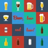 Insieme piano del vetro di birra e delle icone delle bottiglie Immagine Stock