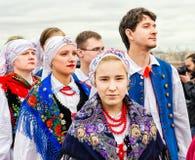 Insieme polacco GAIK di danza popolare Aspettando l'inizio del festival Fotografia Stock Libera da Diritti
