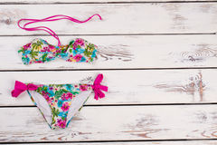 Insieme sexy del bikini della stampa floreale immagini stock