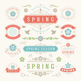 Insieme tipografico di progettazione della primavera Retro e modelli d'annata di stile Fotografie Stock Libere da Diritti