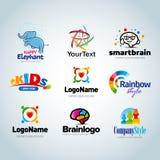 Insieme variopinto di logo, raccolta di logo, logo di idea, raccolta di logo dei bambini, logo della famiglia, logo della gente,  illustrazione di stock