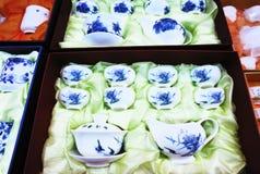 Insiemi di tè blu e bianchi della porcellana Fotografia Stock