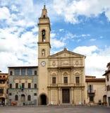Insigne Collegiata S教会  劳伦斯在蒙泰瓦尔基,意大利 免版税库存图片
