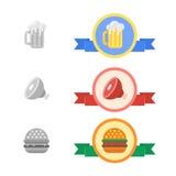 Insignes de bière froide, de viande et d'hamburger Photographie stock libre de droits