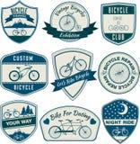 Insignes de vintage de bicyclette illustration de vecteur