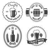 Insignes et logo de brasserie de bière de métier illustration libre de droits