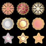 Insignes métalliques, étoiles et floral de vecteur coloré d'isolement sur le noir illustration stock