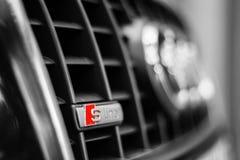 Insignia de Audi Sline, Audi A4 2007 Imágenes de archivo libres de regalías