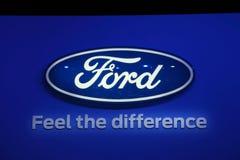Insignia de la compañía de Ford en el IAA Fotos de archivo