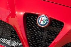 Insignia del auto de Alfa Romeo Fotos de archivo libres de regalías
